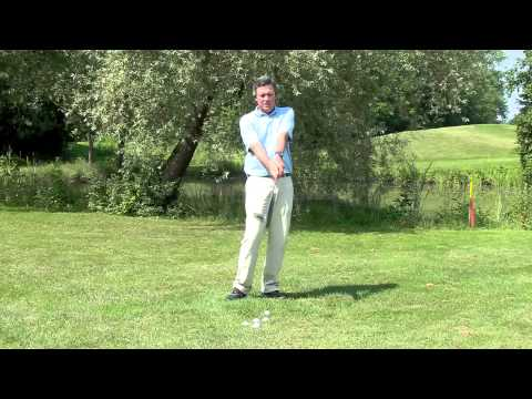How to hit high golf shot lob over a bunker and make it stop – free tip from pro.