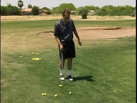 Golf Chipping Tips : Seven Iron Chipping Golf Tips