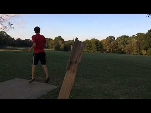 Will Schusterick- Left handed Disc Golf throw slow motion