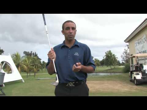 Golf Tips & Etiquette : Golf Chipping Techniques