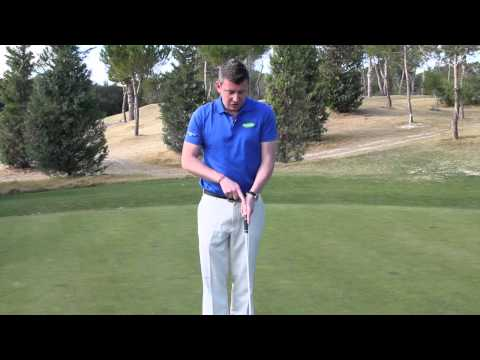 How to get the right putting grip – Golf tips