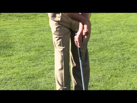 How to Golf With a Weak Right Hand Grip : Golf Tips