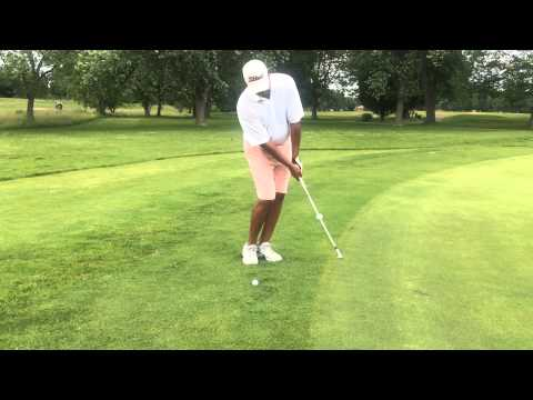 The Chip shot golf swing: Grip and Posture