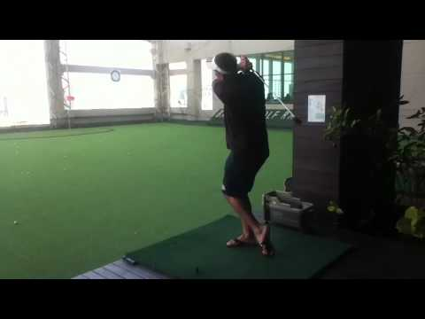 Perfect left handed golf swing