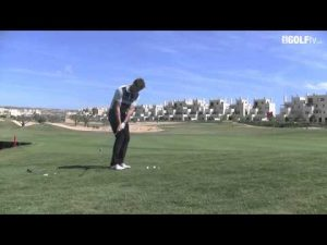 Golf Tips tv: Chipping Select the club for the lie