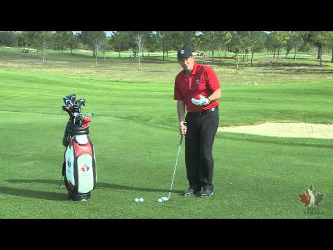 VIDEO TIP: Chipping around the green