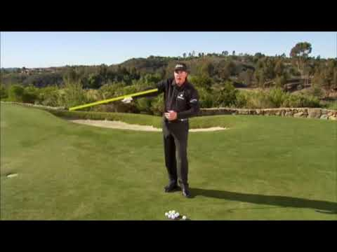 GOLF: Chipping by Phil Mickleson (Golf Tips Edit)