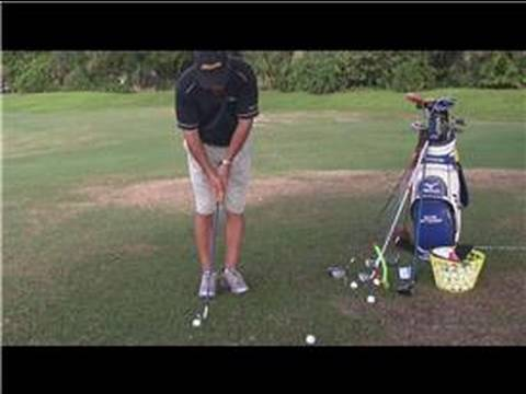 Golfing Tips : How to Hit a Chip Shot