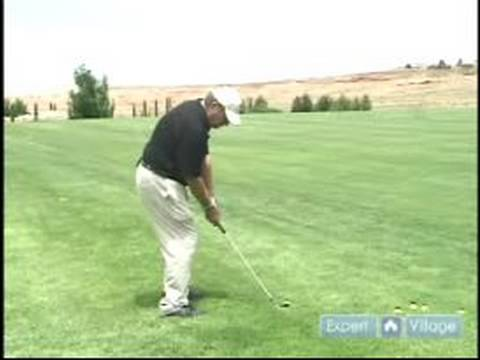 Picking Golf Clubs, Equipment & Courses : Using the Sand Wedge