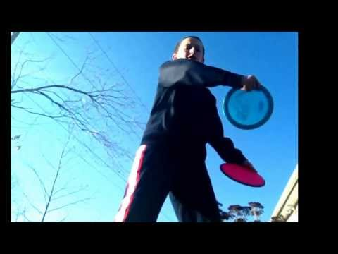 Disc golf beginner tips: the different types of throws