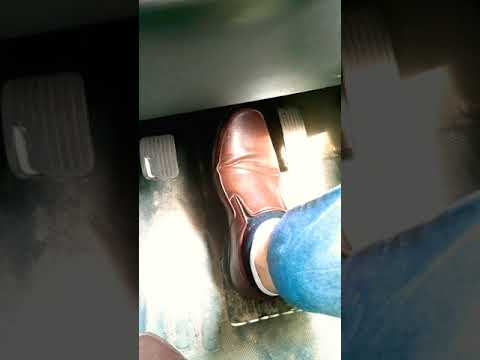 #Shorts Driving Tips 3    What is Correct position of foot while driving 🔥